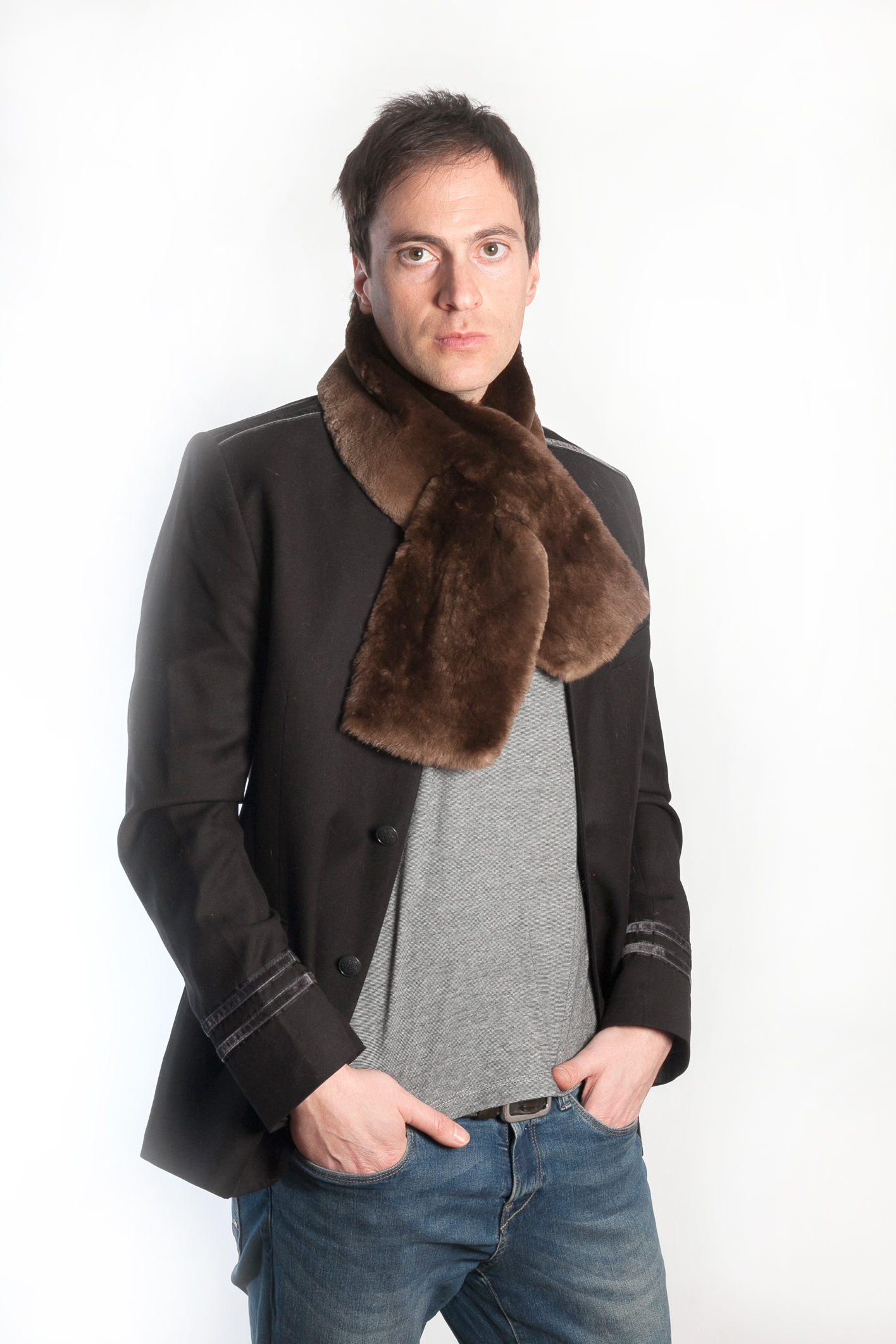 7627dee8da2bf ... scarves of the Canadian beaver, both for male and female. The fur isn't  just warm, but very soft and shiny as well. The colors range from light  brown, ...